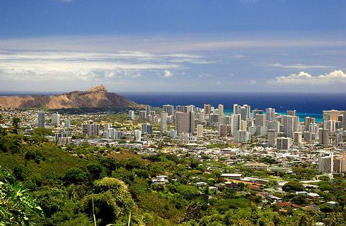 На Гавайских островах, столица штата – Гонолулу