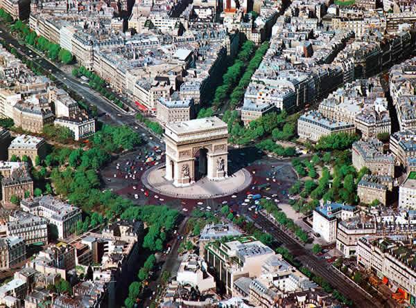 Триумфальная арка Париж Франция