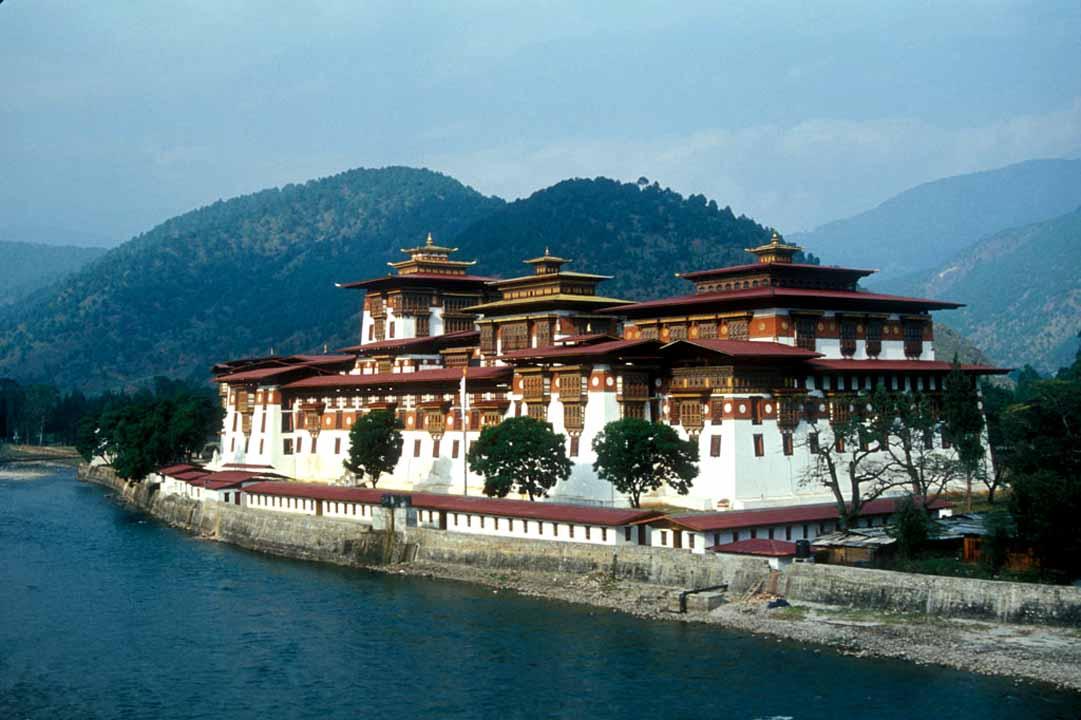 Буддистский монастырь в Бутане
