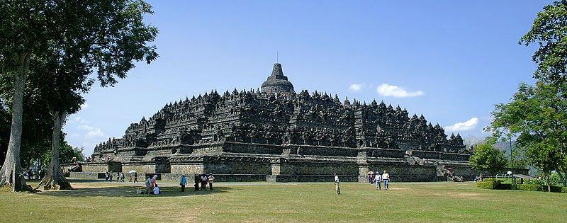 Буддистский храм Боробудур