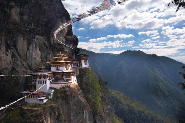 Путешествие в Логово тигра - буддистский монастырь в горах Бутана