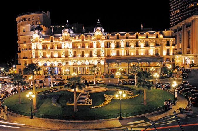 Отель Де Пари (Hotel de Paris)