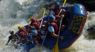 Сплав на плотах по реке Арун в Непале