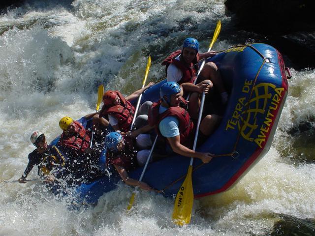 Рафтинг - сплав на плотах по горным рекам