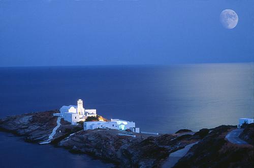 Когда поехать в Грецию