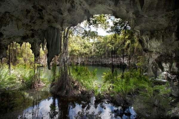 """Пещера """"Три глаза"""" в Доминикане"""