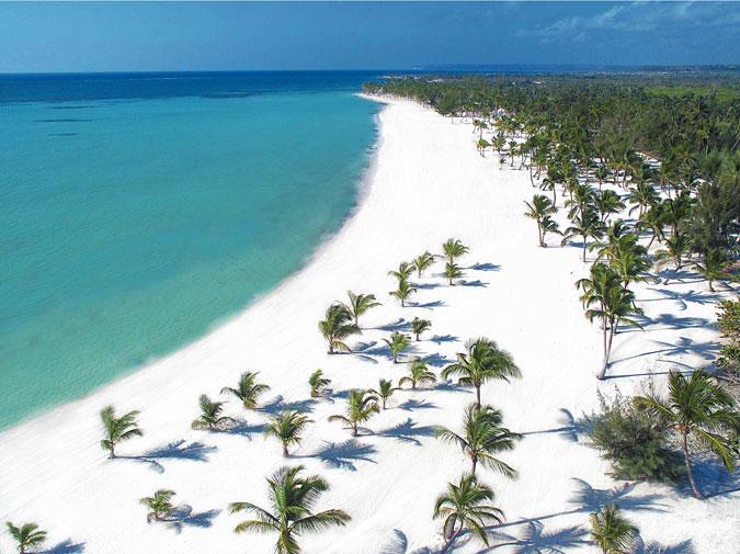 Вид сверху на пляжи Доминиканы