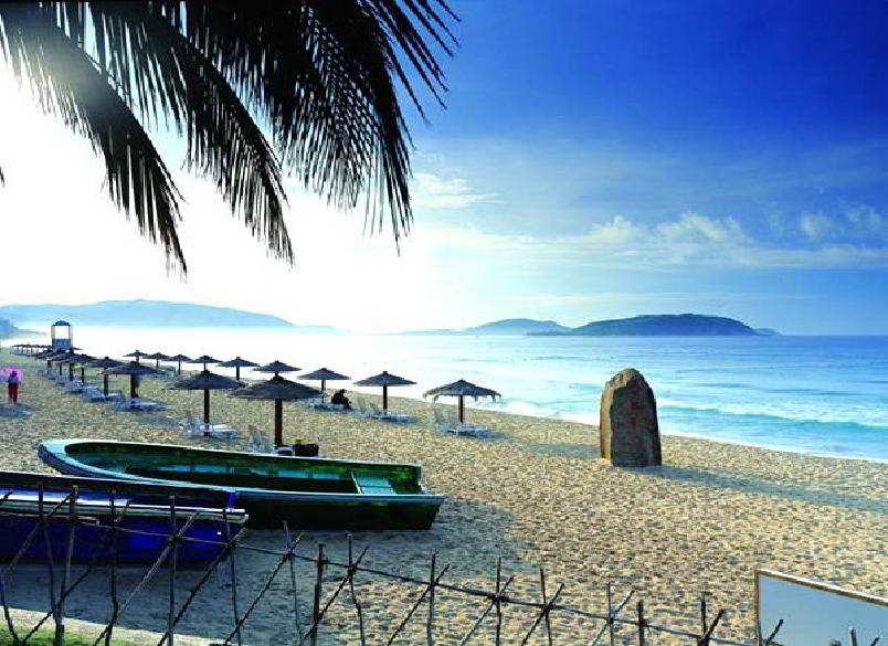 Санья, пляж в бухте Ялунвань