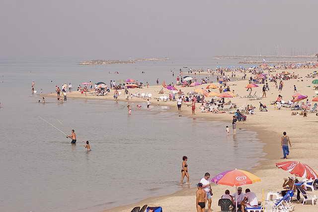 Пляж в Тель-Авиве, Израиль