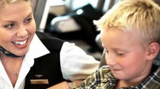 Ребенок в самолете без сопровождения родителей