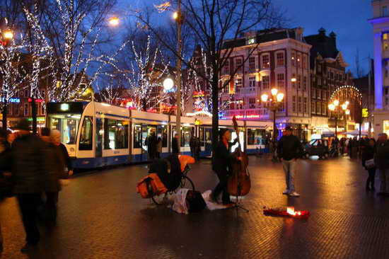Площадь Лейдсеплейн Амстердам