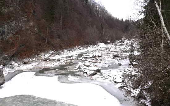 Река Прут Карпаты
